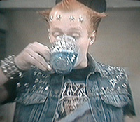 Vyvyan drinks poison, for nobody dies in the young ones
